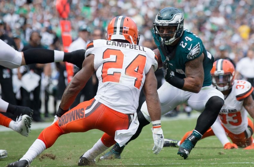 Sep 11, 2016; Philadelphia, PA, USA; Philadelphia Eagles running back Ryan Mathews (24) runs with the ball against Cleveland Browns defensive back Ibraheim Campbell (24) during the second quarter at Lincoln Financial Field. Mandatory Credit: Bill Streicher-USA TODAY Sports